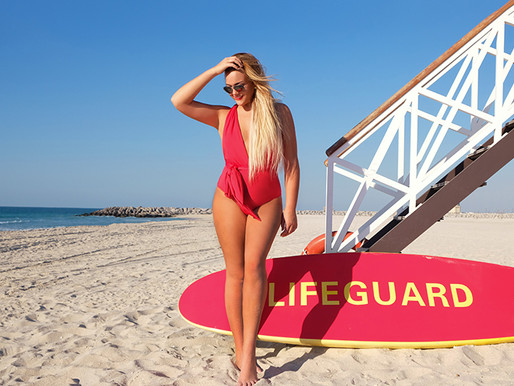 How to take the best Instagram swimsuit selfie