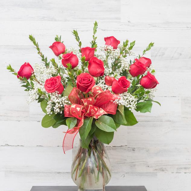 Classic Dozen Roses arranged