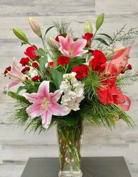 Holiday vase arrangment