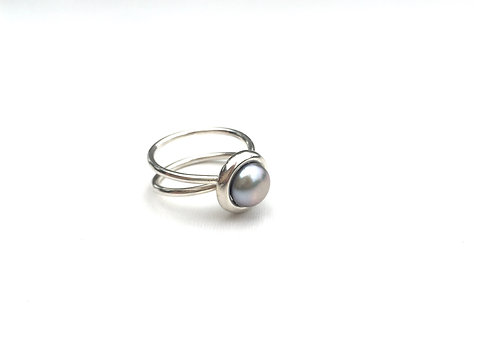 Grey Button Pearl Ring, sz 8