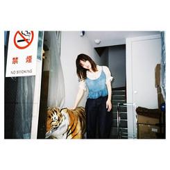 _tokyo_local_trip #portrait #ポートレート__#portraits #film#filmphotography #filmlover #filmisnotdead #ig_japan #reco_ig #tiger #fashionpost #35mm