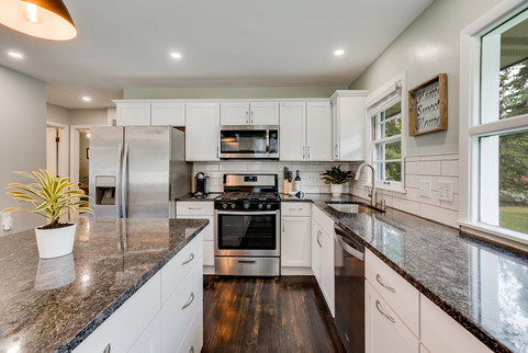 8333 Pierce St NE MLS-15.jpg
