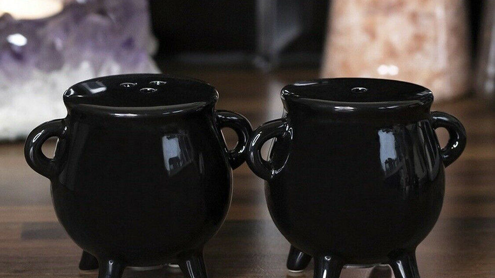 Black Cauldron Salt & Pepper Boxed Gift Set