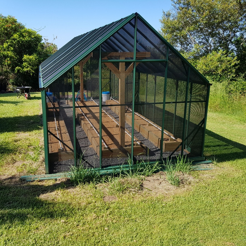 Shade house with Mitleider method