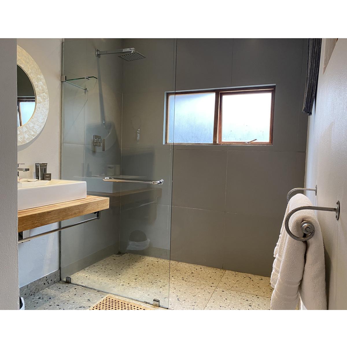 khanyakude-ekhaya-bathroom