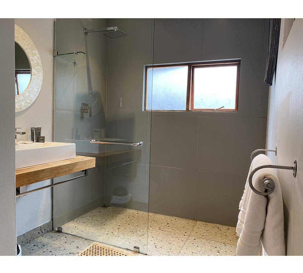 khanyakude-ekhaya-bathroom.jpg
