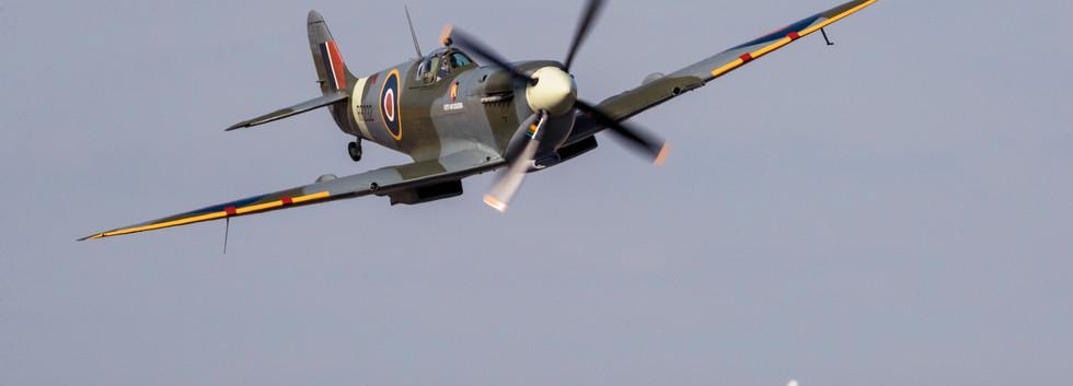 0808_DG_Mustang_Spitfire.jpg