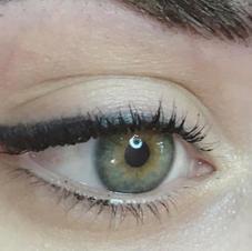 Winged Eyeliner Meduim