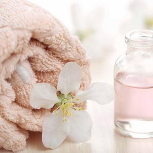 Huile de massage bio pour une femme enceinte