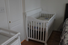 baby crib assembly
