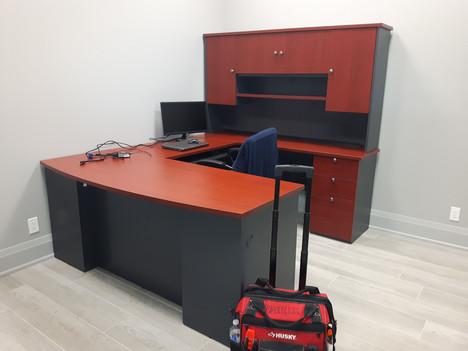 U-shaped office desk assembly