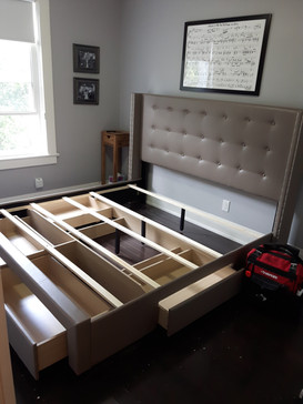 bed with drawers assembly