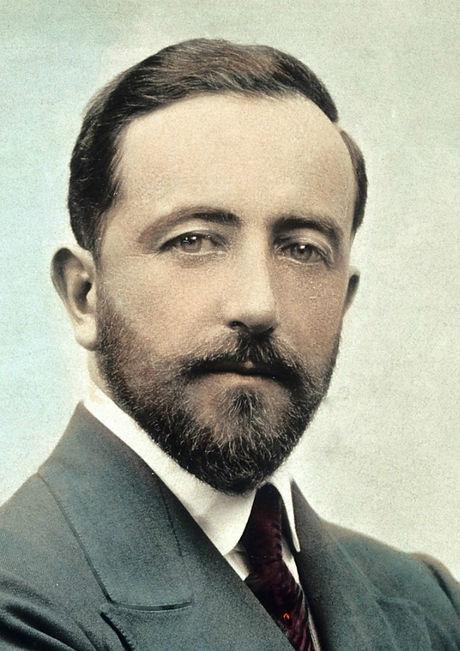 Formal_portrait_of_Sir_Henry_Head_Wellco