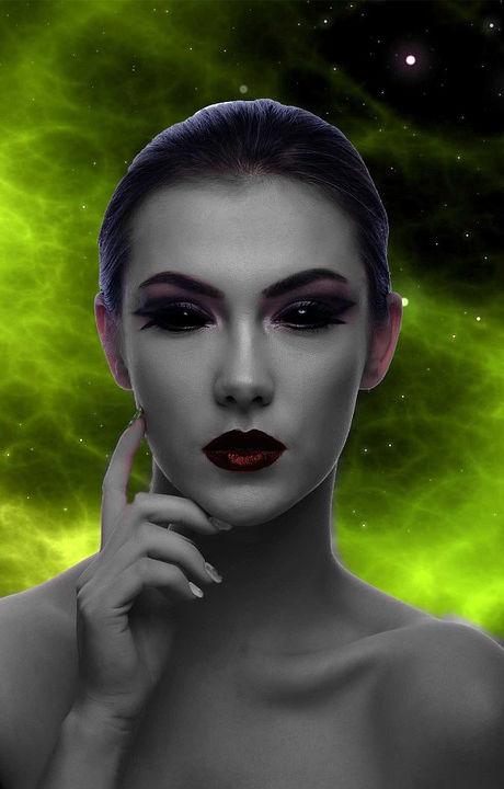 Martians-Like-You-Portrait-Universe-Woman-Alien-746824.jpg