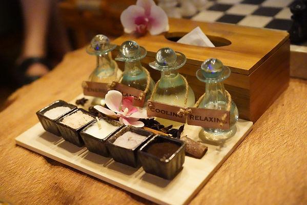self pick essential oil 自选按摩油.JPG