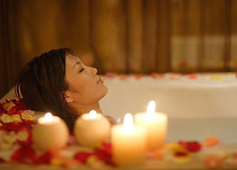 smaller-self-care-relax-candles-bath-Eas