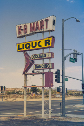 liquor.yuccavalley.35mm.