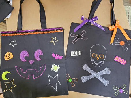 Kids Halloween Crafts: Make Your Own Trick or Treat Bags!