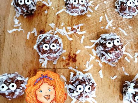 Halloween Kids Treats: Eerie Mummy Chocolate Coconut Balls