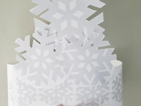 Easy Winter Crafts for Kids: Snowflake Crowns!