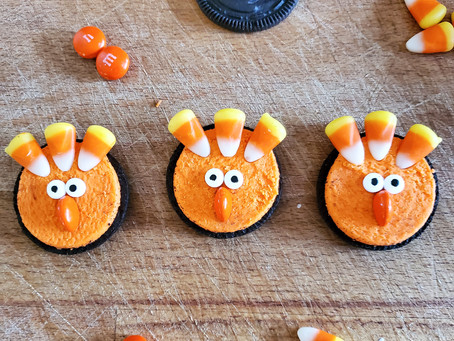 Thanksgiving Kids Treats: Oreo Turkey Snacks!