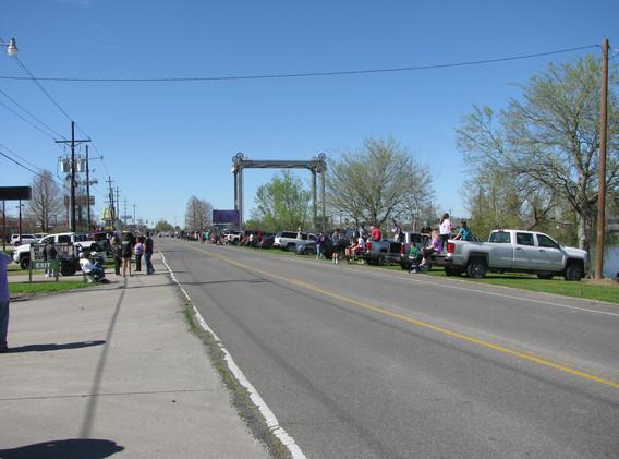 31. Evangelism at the Larose Mardi Gras