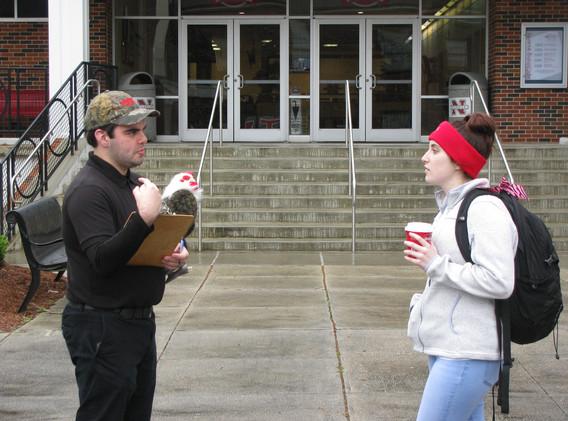 27. Thomas sharing the gospel at NSU, Fe