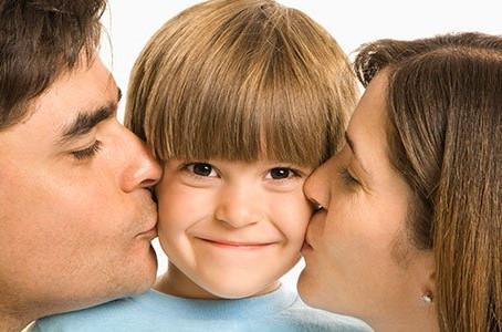¿Cómo pueden potenciar los padres la autoestima de su hijo?