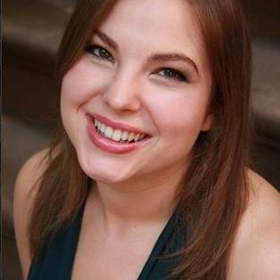 Lorraine Helvick headshot 3