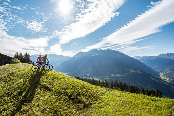 Mountainbiken in Barthomomäberg (c) Dani