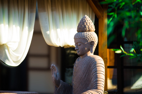 Buddha_draussen.jpg