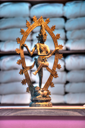 Krishna_Statue_Foyer.jpg