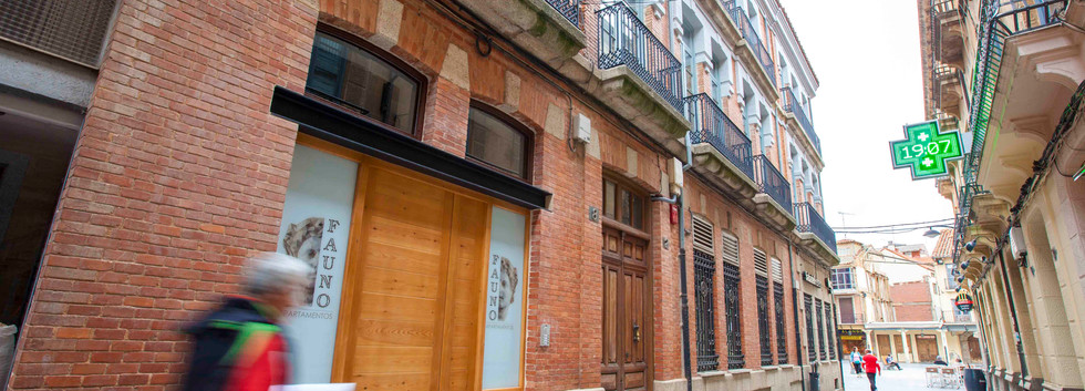 Fauno Apartamentos Puerta Principal 2.jpg