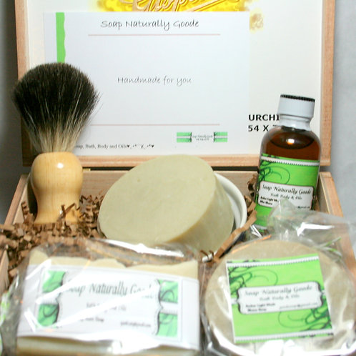 Deluxe Shaving and Grooming Kit with Black Badger