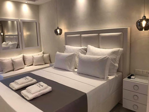 1 Amaryllis Luxury Rooms κομοδίνα με χερ