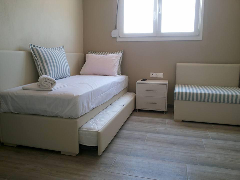 4 Ammos Hotel Καναπές κρεβάτι, μικροέπιπ