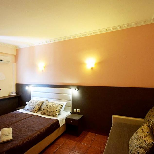 3 Hotel Dias, Τρίκλινη καφέ κρεβατοκάμαρ