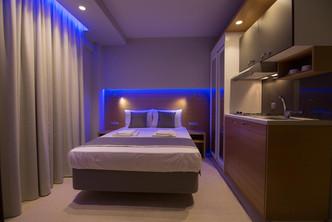 5 SKS Boutique room hotel Παραλία Voutsa
