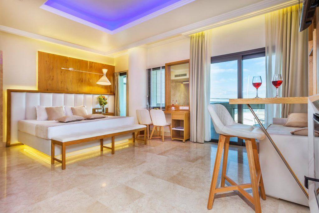 Porto Marine, deluxe suite πλήρης ξενοδο