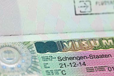 الدخول إلى سويسرا