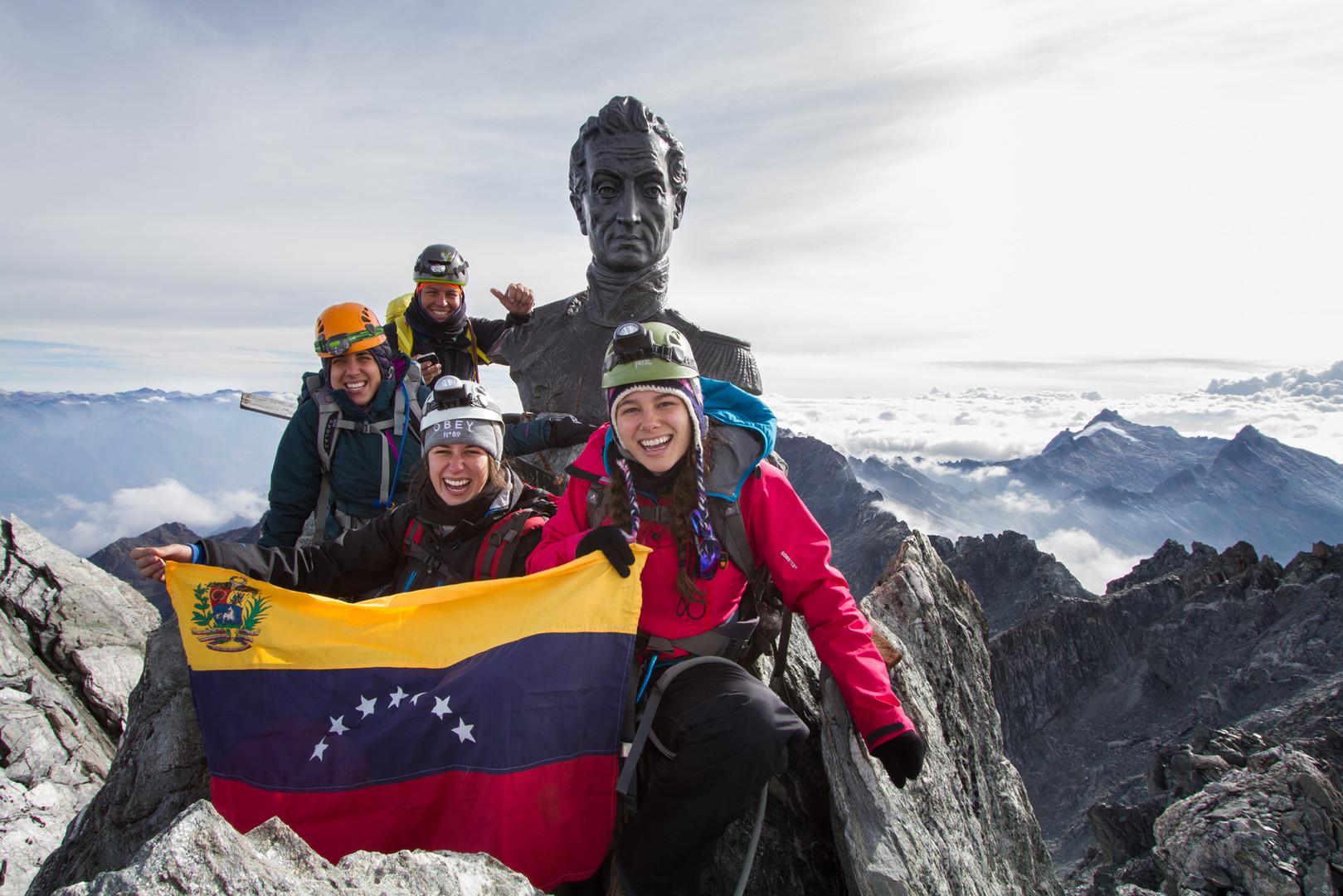 Merida_PicoBolivar_hiker_trekking_mujer_
