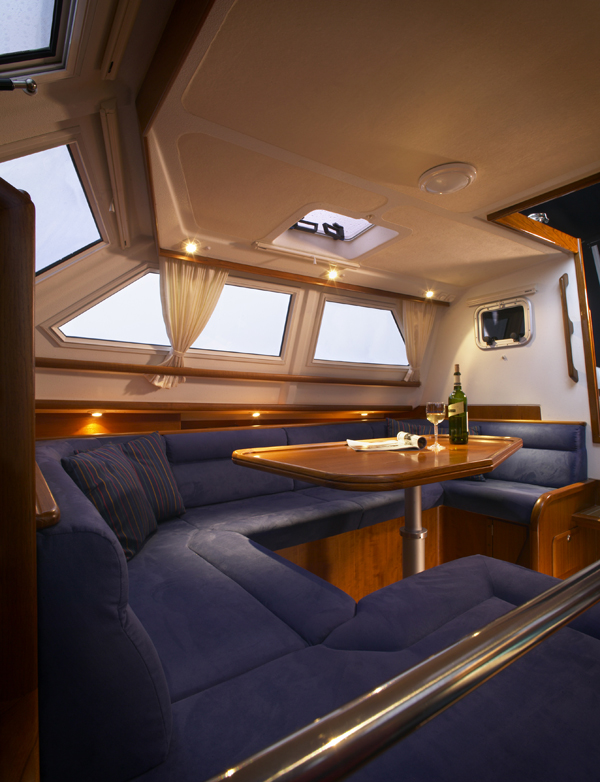 C-Yacht 1130 Deck Salon