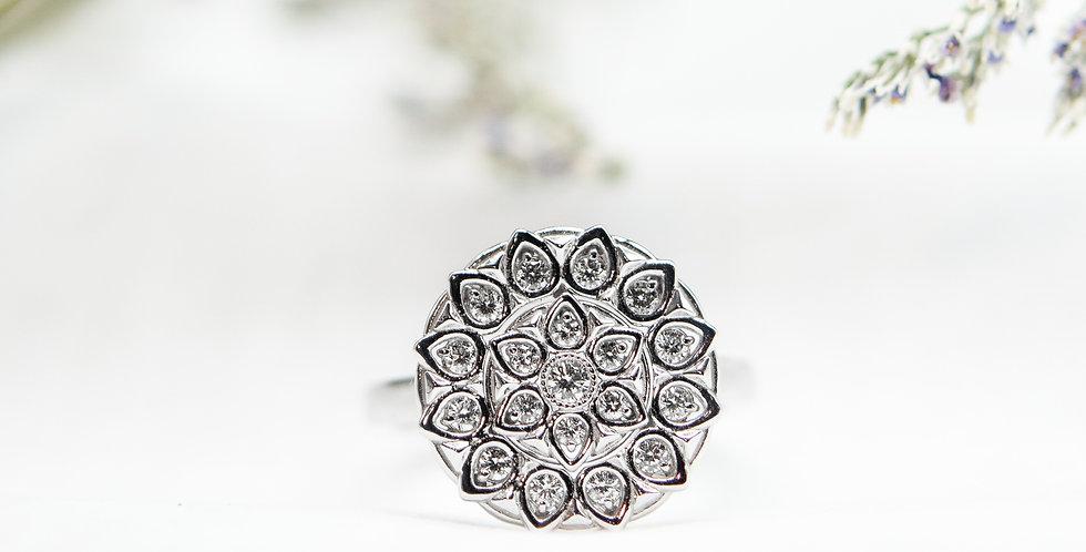 Medallion Ring - Diamond