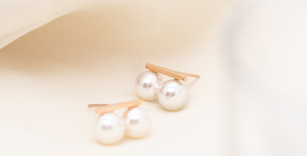 Twin Pearl Ear Studs