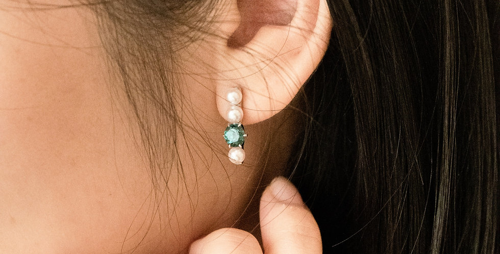 and Pearl Ear Studs - Row