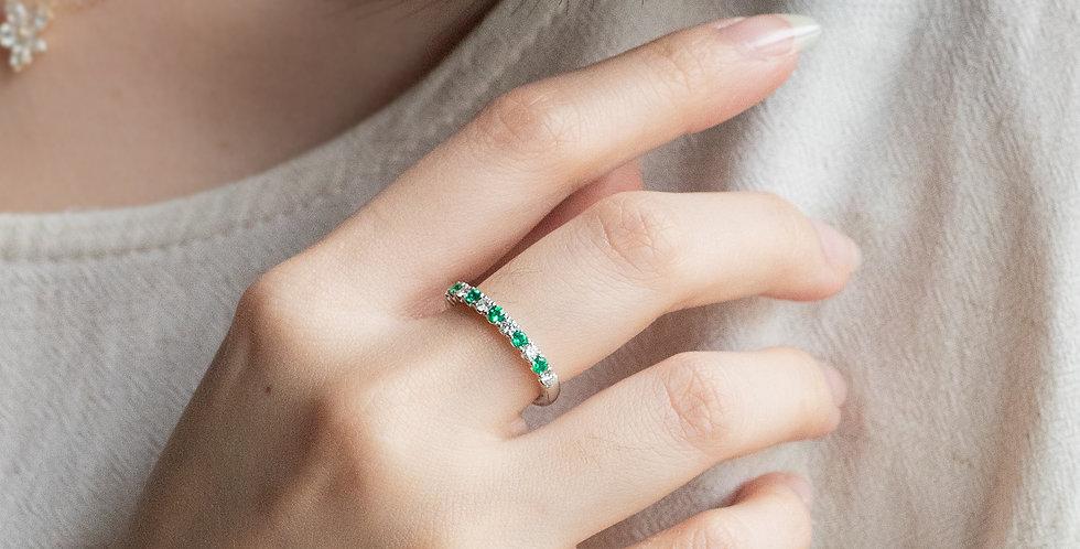 Classic Emerald Band Ring