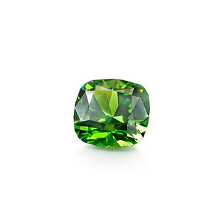 Demantoid%20Garnet_edited.jpg