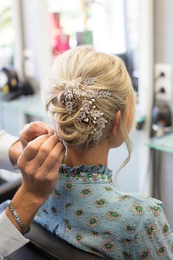 Préparatif mariée coiffeur