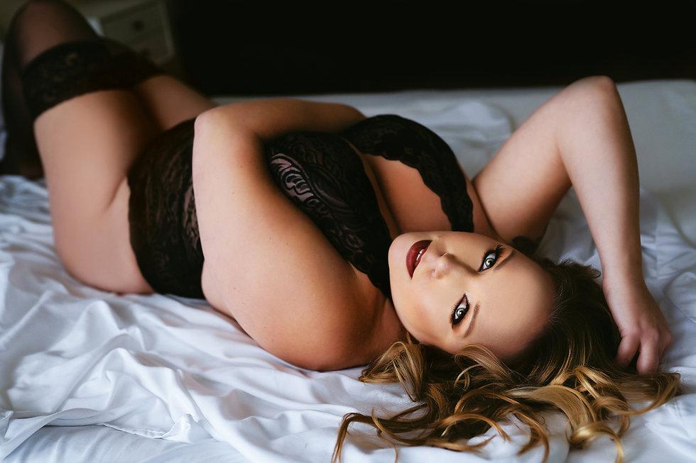 Sarah Hannah Rose Boudoir-47.jpg