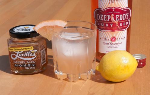 Grapefruit Bee Cocktail